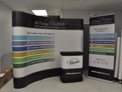 10' Curved Pop up with Graphic case wrap and Bubba Banner Stand