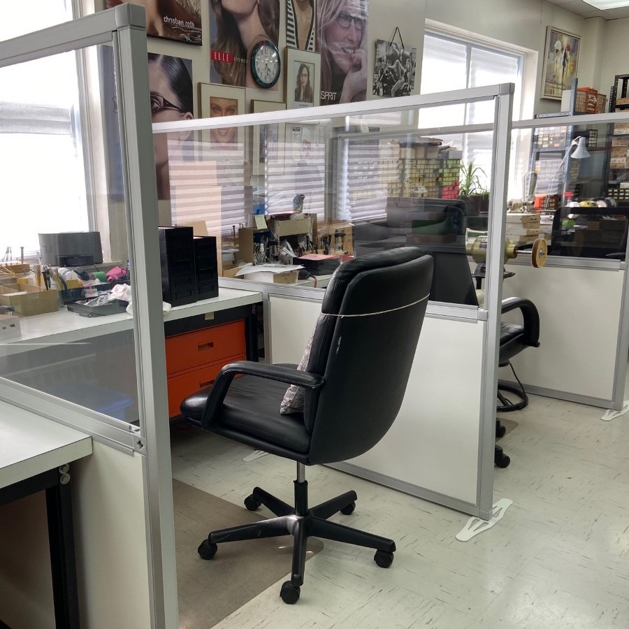 social distancing desk shields